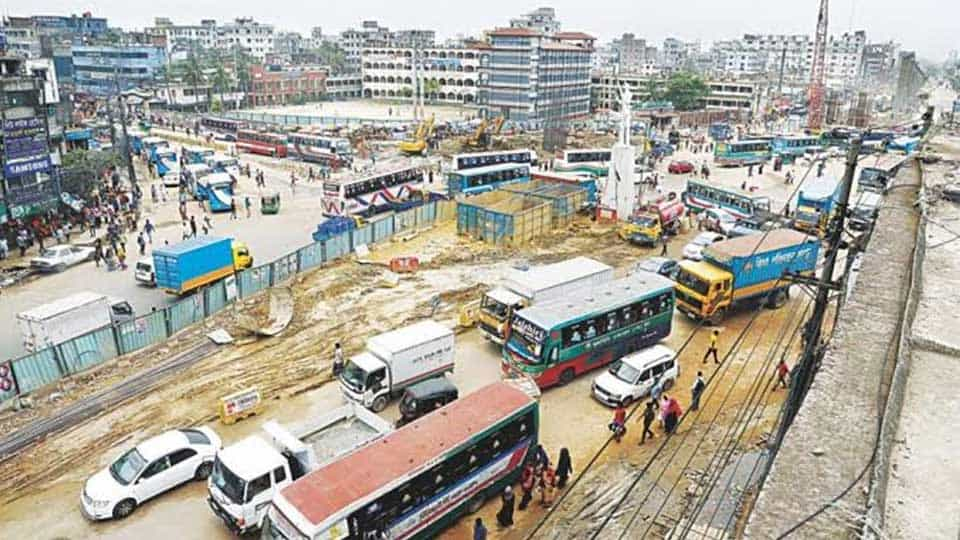 It is almost impossible to move in Dhaka-Mymensingh highway due to extensive Air Pollution and pothole