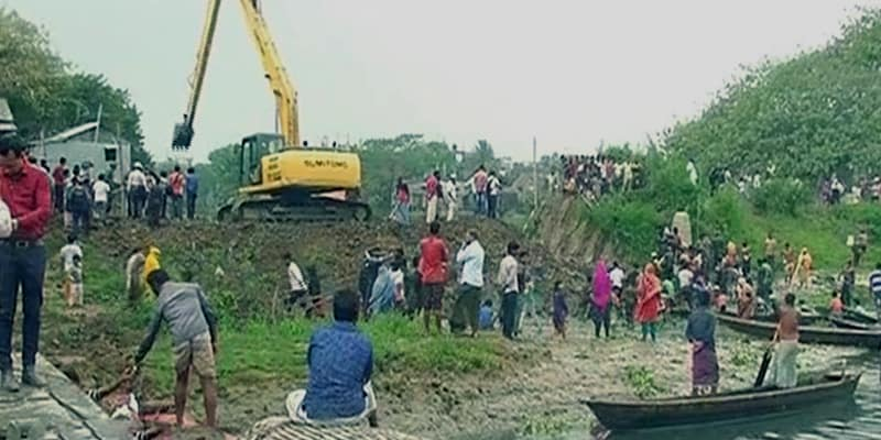 The campaign against the illegal occupation of rivers all around Dhaka is going on for the second day